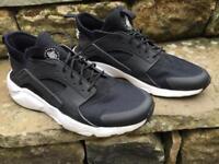 Men's Nike Huarache ultra breathe Trainers UK size 9
