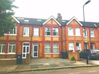 A Fantastic 4 bedroom House - Close to South Ealing Tube Station. Ealing Park Gardens, London, W5