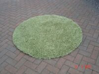 Dunelm Green Slumber Circular Rug. Very Good Condition. Can Deliver.