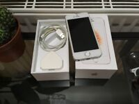 iPhone 5s Silver 16gb Unlocked with Accessories