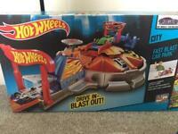 Hot Wheels / Drive In - Blast Out ( Hotwheels )