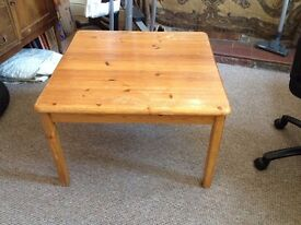 Large Solid Oak/Pine Table (Good for project?).