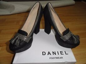 Womens shoes high heels, size 6