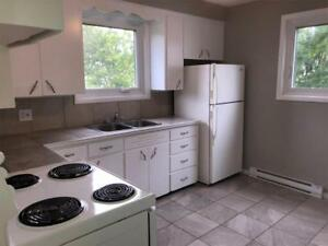 344 NOEL - NEWLY UPDATED - GREAT LOCATION