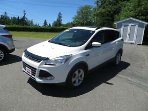 2014 Ford Escape SE 4X4, NAVIGATION, PANORAMIC SUNROOF, LEATHER!