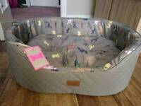 Medium Joules dog bed