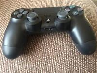Brand New PS4 controller V2 Dual Shock Jet Black