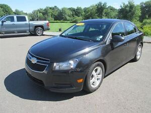 2014 Chevrolet Cruze 2LT.. Heated Leather Seats.. Back up Camera