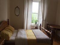 Bright double room in Stockbridge