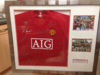 Manchester United shirt with 21 signatures from 2008/2009