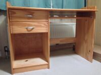 Pine Desk with two drawers, pull-out shelf, in excellent condition.