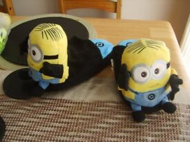 minion stompies 3/4 worn once £3.50 collection from didcot from a smoke and pet free home