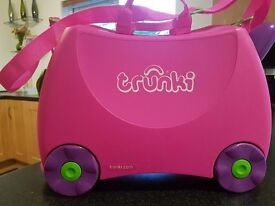 Trixie Pink Trunkie Suitcase