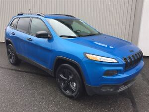 2017 Jeep Cherokee Altitude +Temps Froids, Hitch, Caméra+