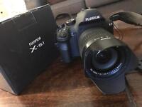 FujiFilm FinePix X-S1 & 64GB SDXC Fuji Digital Bridge Camera 12MP 26x Zoom