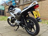 Stunning Honda Cbf 125 125cc Cbf125 CBT Learner legal Low mileage 2010 White / Black £1350ono