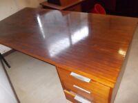 DESK GOOD SOLID DESK COULD USE AS DESK/ WORK BENCH /CRAFT TABLE