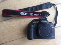 Canon 5D Mark II, full frame, 21.1 MP, 61183 actuations, with 2 batteries, charger, and memory card