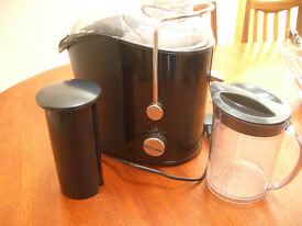 BREVILLE PRO KITCHEN WHOLE FRUIT JUICER EXCELLENT CONDITION
