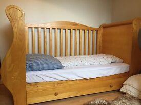 Beautiful cot & junior bed