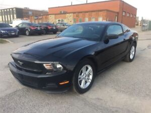 2012 Ford Mustang 6 SPD/LOW KMS