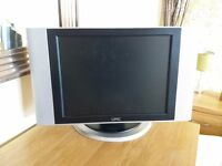15 ins USC colour television screen (with remote control)