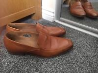 Paul Smith. Men light brown leather loafers (size 9)