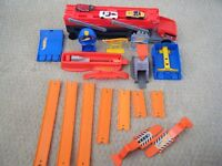 HOT WHEELS - various track and jumps, transporter, cars, etc