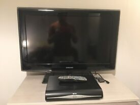 Samsung TV LCD HD Freeview 32 Inch Black Glass Stand Trolley & Sky HD Box
