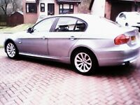 BMW 318i in excellent condition, low mileage, front + rear parking sensors, FSH, MOT, blue tooth HF.