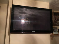 "Samsung Plasma 42"" TV Black - Excellent Working Order - Cosmos Black - LOCATED IN CHESHAM/BUCKS -HP5"