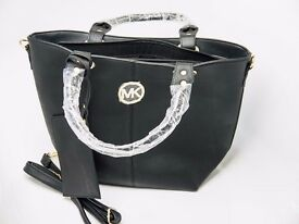 Michael Kors handbag shoulder bag black w/small defect