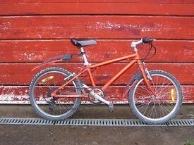"Lightweight Boys bike, 9.6 kg, 20"" wheels, 6 gears, 65-80 cm saddle height, suit 5-9 yr old"