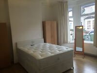 DOUBLE ROOMS NEAR STRATFORD STATION (NO DEPOSIT)