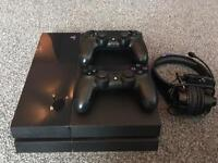 PS4 1tb + 2 Controllers + 13 Games