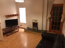 Bright spacious comfortable 2 bed with balcony