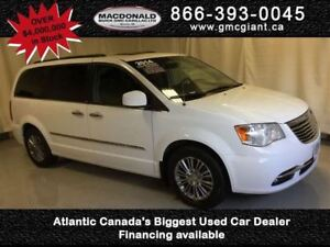 2014 Chrysler Town & Country Touring-L -  Power Tailgate