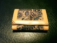 PURSE WITH PRETTY RETRO DESIGN, ZIPPED WALLET AND BRASS STYLE CORNERS. MADE IN GREECE. £10.