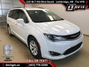 2017 Chrysler Pacifica Touring-L Plus 7 PASSENGER, LEATHER, D...