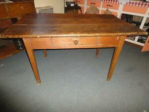 ANTIQUE PINE HARVEST TABLE/ 4 PRESSBACK