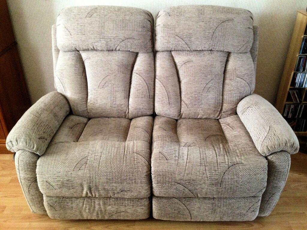 La Z Boy Sofa And Buy Sale And Trade Ads Great Prices