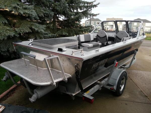 Used 2004 Hewescraft jet boat