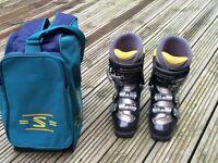 Ladies Ski Boots Size 5 - Salomon Evolution Series