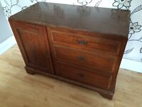LOVELY CHEST OF 3 DRAWERS WITH END CUPBOARD ON CASTORS