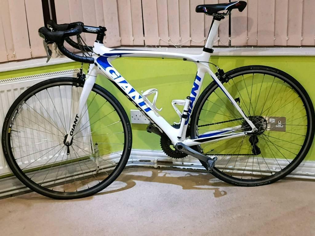 89ab6e2130e Giant tcr advanced Carbon Fibre Road Bike 56cm | in Manchester ...