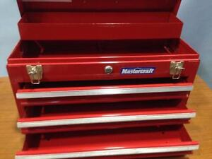 TOOLBOXES used, various styles ANTIQUE VINTAGE Coffres à outils usagés - DeWalt Milwaukee Makita SnapOn Ridgid
