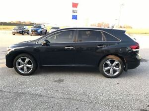 2014 Toyota Venza Limited AWD  dual panel moonroof Navigation Windsor Region Ontario image 8