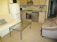BILLS INCLUDED! AMAZING VALUE 2 DOUBLE BEDROOM FLAT NR TUBE, BUSES & TRAIN - 15 MINS TO KINGS CROSS