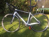 Giant Defy 4 Small, LIKE NEW, done less then 5 miles
