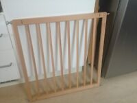 Stair Gate - Pine - Perfect condition - all parts - adjustable fitting
